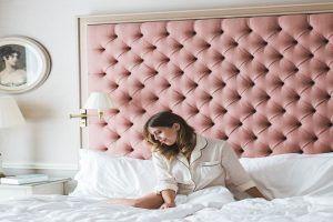 Cabeceros de cama rosa de madera